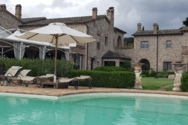 Agriturismi in Umbria con piscina e ristorante