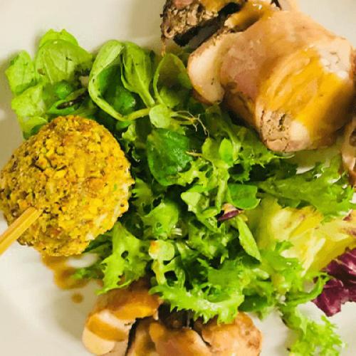 Coniglio in tre cotture con insalata mistica e zenzero
