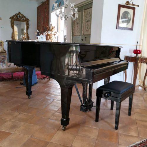 pianoforte in salone tenuta del gallo